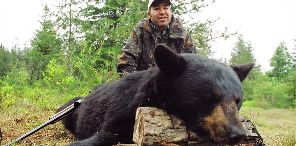 Bear hunts, Bear hunting guides, Big bear hunts, Quebec hunting guides Claude Turcotte