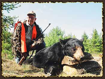 Bear hunts, Bear Hunting Guides in Quebec, Canada Big bear hunt, Claude Turcotte